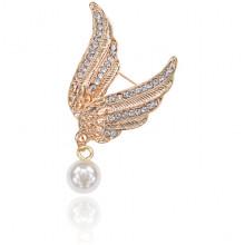 1B0119 Брошь Крылья ангела с жемчужиной и стразами, 50х40мм