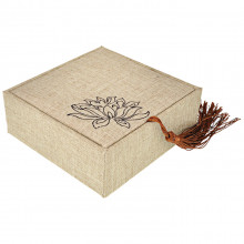 BOX011-1 Коробка для браслета Лотос 10х10х4см, цвет белый